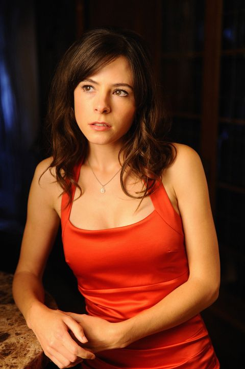 Abby (Elaine Cassidy) hat nach dem Tod ihrer Mutter die Insel verlassen und ist nie wieder zurückgekehrt - bis zur Hochzeit ihres besten Freundes H... - Bildquelle: 2009 CBS Studios Inc. All Rights Reserved.