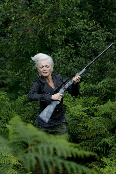 Will Cutter vor dem Säbelzahntiger retten: Abby (Hannah Spearritt) ... - Bildquelle: ITV Plc