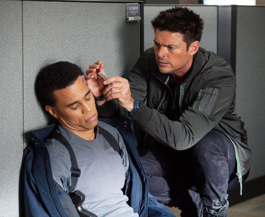 Ihr neuester Fall bringt John (Karl Urban, l.) und Dorian (Michael Ealy, r.) an ihre Grenzen ... - Bildquelle: Warner Bros. Television