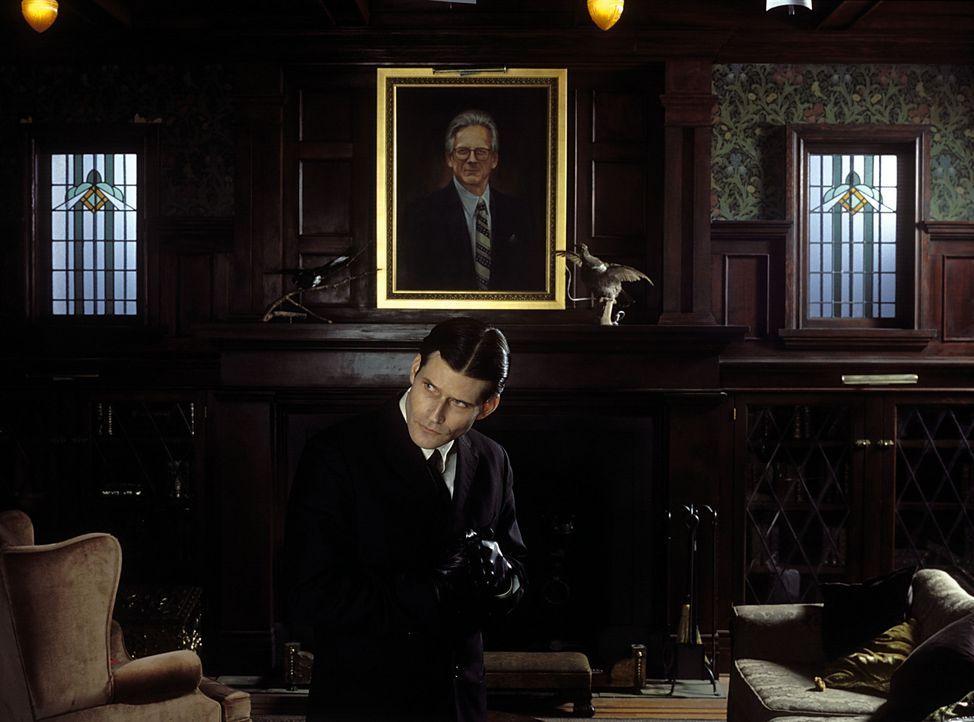 Ständig wird der junge Außenseiter Willard Stiles (Crispin Glover) von seinem Chef gedemütigt. Seine einzigen Freunde sind Cathryn, eine neue Ang... - Bildquelle: Warner Bros. GmbH