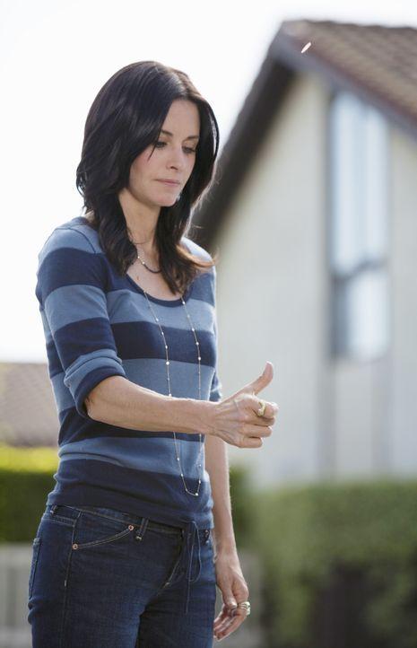 Plant Travis und Bobby zu sagen, dass sie mit Grayson zusammen ist: Jules (Courteney Cox) ... - Bildquelle: 2009 ABC INC.