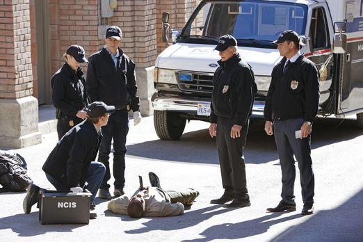 Navy CIS - Bei den Ermittlungen in einem Mordfall, ahnen Gibbs (Mark Harmon,...