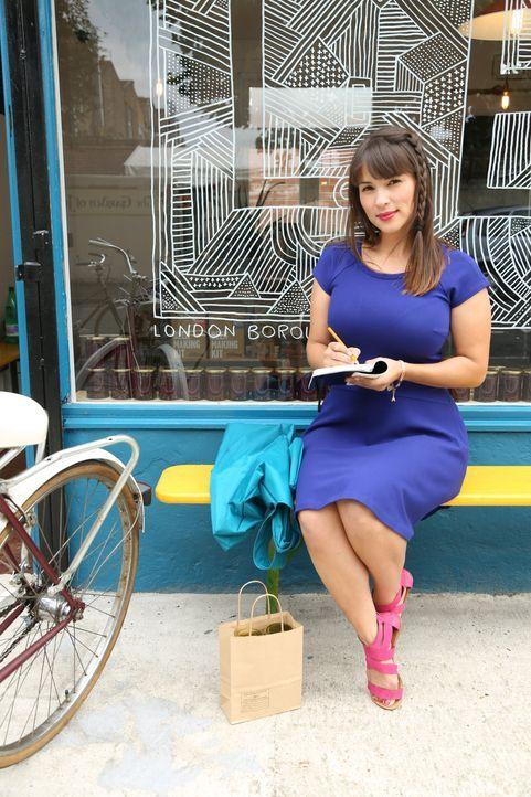 Jeden Tag erlebt Rachel in London viele aufregende Dinge, da muss sie ganz genau Buch führen, um ja nichts zu vergessen ... - Bildquelle: Richard Hill BBC 2013
