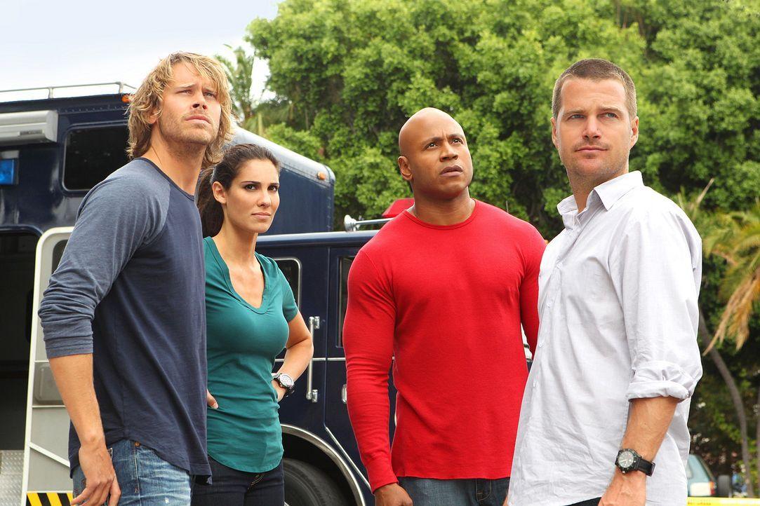 Ein neuer Fall wartet auf Callen (Chris O'Donnell, r.), Deeks (Eric Christian Olsen, l.), Kensi (Daniela Ruah, 2.v.l.) und Sam (LL Cool J, 2.v.r.) ... - Bildquelle: CBS Studios Inc. All Rights Reserved.