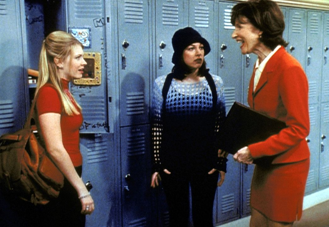 """Mrs. Quick (Mary Gross, r.) hat Sabrinas (Melissa Joan Hart, l.) Aufsatz über """"Praktische Anwendung der Mathematik"""" so gut gefallen, dass sie ihn v... - Bildquelle: Paramount Pictures"""