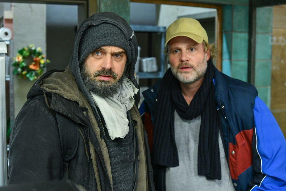 (v.l.n.r.) Daniel Wagner (Raphael Vogt); Mike Neumann (Mirco Reseg) - Bildquelle: Oliver Ziebe SAT.1/ Oliver Ziebe