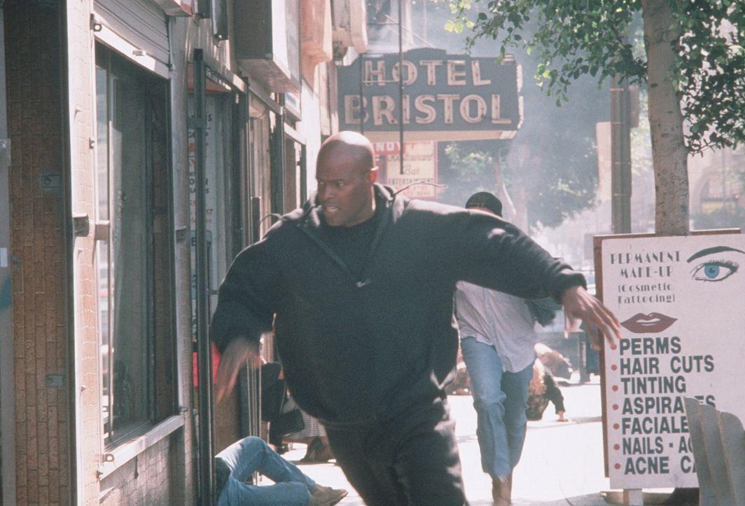 Auf seinen Kopf sind 10 Millionen Dollar ausgesetzt: James Dunn (Keenen Ivory Wayans) ... - Bildquelle: New Line Cinema