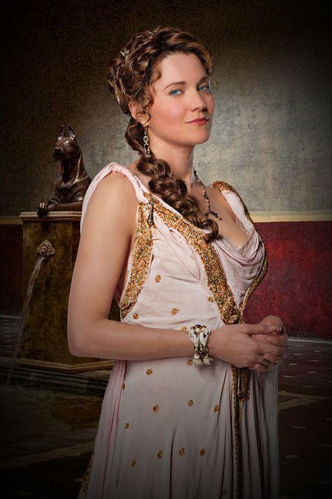 Lucretia (Lucy Lawless) unterstützt die Träume ihres Mannes Batiatus, wo sie nur kann, egal in welche Richtung sie drohen zu wachsen ... - Bildquelle: 2009 Starz Entertainment, LLC