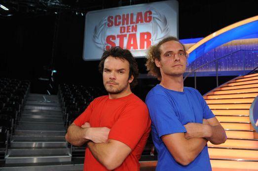 """Schlag den Star - TV-Koch Steffen Henssler (l.) stellt sich in """"Schlag d..."""