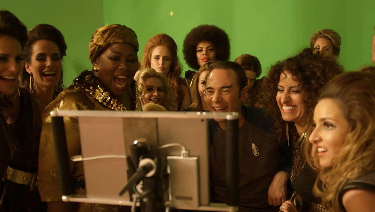 Bullyparade - Der Film: Das Comedy Special wirft einen Blick hinter die Kulissen des Kinofilms, zeigt erste Ausschnitte und Bilder vom Dreh, erzählt... - Bildquelle: SAT.1