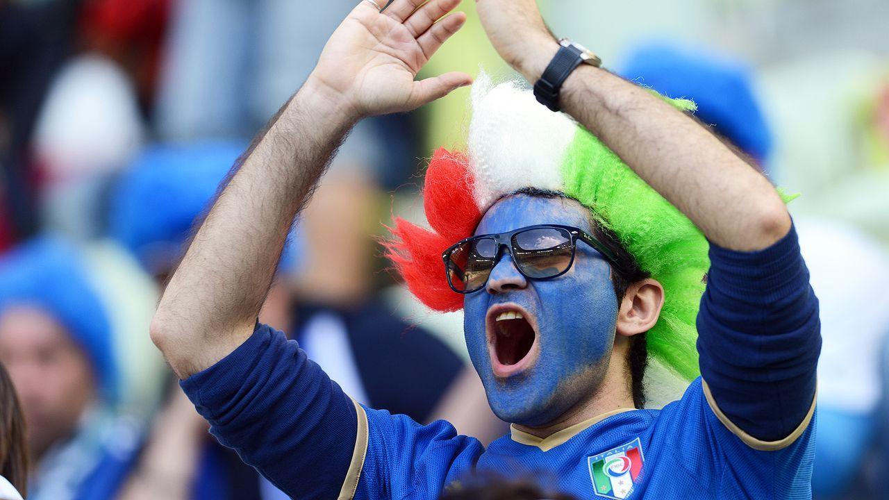 italien-fan-12-06-10-AFP - Bildquelle: AFP