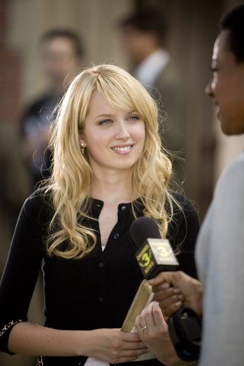 Grace (Megan Park) ist mit ihrer nächtlichen Verteidigungsaktion DAS Stadtgespräch - kann sie die ganze Sache aufklären und ihren guten Ruf retten? - Bildquelle: ABC Family
