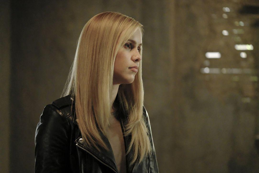 Noch ahnt Rebekah (Claire Holt) nicht, dass ihr eigener Bruder sie betrügen könnte und das Leben seiner geliebten Davina über das seiner Familie ste... - Bildquelle: 2016 Warner Brothers