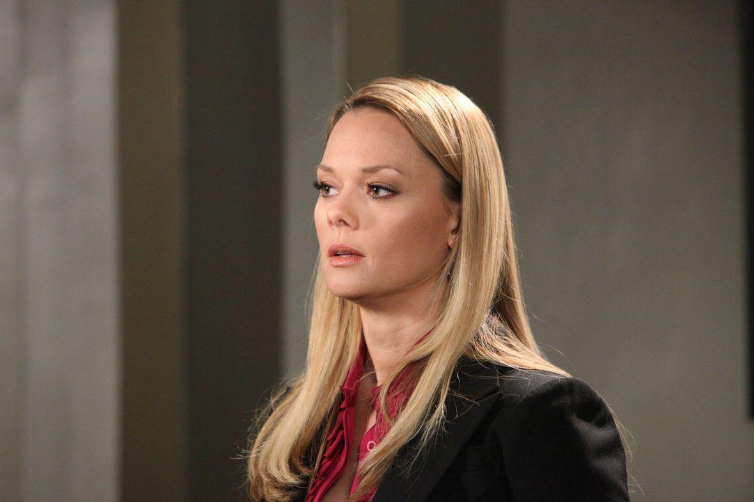 Wird Kim (Kate Levering) Parker dabei helfen, das Sorgerecht für seinen Sohn Eric einzuklagen? - Bildquelle: 2012 Sony Pictures Television Inc. All Rights Reserved.