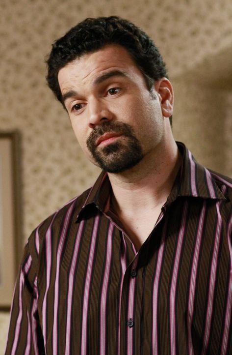 Versucht seine Frau davon zu überzeugen, mit dem Schmerz ihrer Vergangenheit abzuschließen: Carlos (Ricardo Antonio Chavira) ... - Bildquelle: ABC Studios