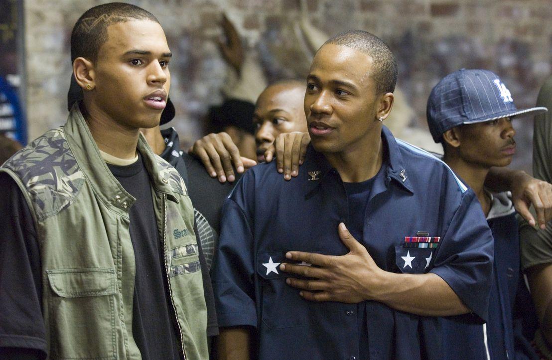 Die beiden Brüder DJ (Columbus Short, r.) und Duron (Chris Brown, l.) sind die Champions der Streetdance Szene. Eines Nachts werden sie nach einem w... - Bildquelle: 2007 CPT Holdings, Inc. All Rights Reserved. (Sony Pictures Television International)