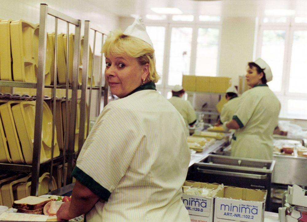 Im Krankenhaus Lichtenberg in Berlin verwöhnt Tag für Tag die Köchin Sabine Böhm (Bild) Patienten und Angestellte ... - Bildquelle: SAT.1