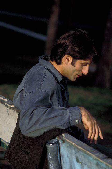 Eines Tages findet Mark (Vincent Spano) eine Leiche Im Kofferraum ... - Bildquelle: A. Pachasa ProSieben