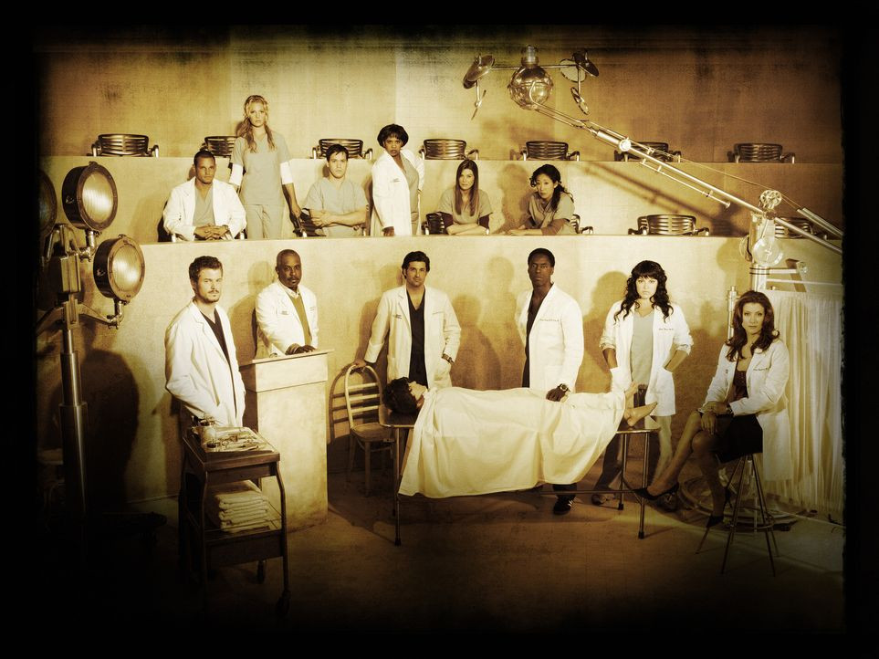 (3. Staffel) - Grey's Anatomy: (hinten v.l.n.r.) Dr. Alex Karev (Justin Chambers), Dr. Isobel 'Izzie' Stevens (Katherine Heigl), Dr. George O'Malley... - Bildquelle: Touchstone Television