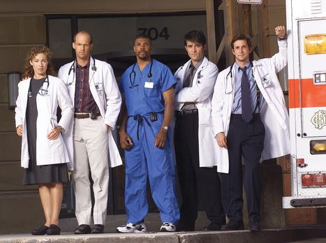 Emergency Room - (8. Staffel) - Auf Greene (Anthony Edwards, 2.v.l.) und Cord...