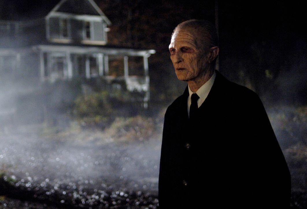 Was hat der Reaper (Alex Diakun) vor? - Bildquelle: Warner Bros. Television