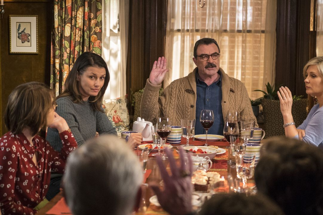 Der Tod von Franks (Tom Selleck, M.) Sohn Joe steckt der ganzen Familie immer noch sehr in den Knochen. Wichtige Entscheidungen werden seither gemei... - Bildquelle: John Paul Filo 2015 CBS Broadcasting Inc. All Rights Reserved.
