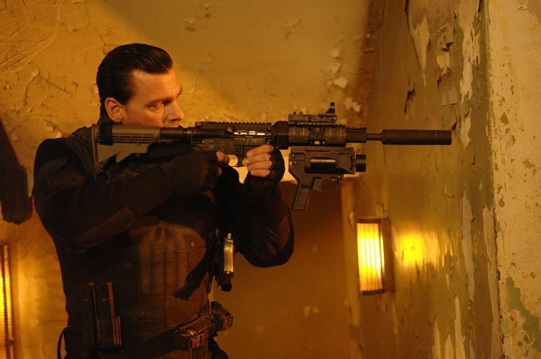 """Frank Castle (Ray Stevenson) ist ein seit sechs Jahren von Rachegefühlen getriebener Verbrecherjäger, ein so genannter """"Punisher"""". Unbarmherzig übt... - Bildquelle: 2008 MHF Zweite Academy Film GmbH & Co. KG. All Rights Reserved."""