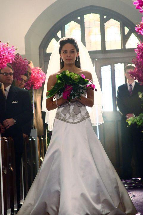 Liebt sie ihn wirklich oder heiratet Lana (Kristin Kreuk) Lex nur, weil sein Vater sie erpresst? - Bildquelle: Warner Bros.