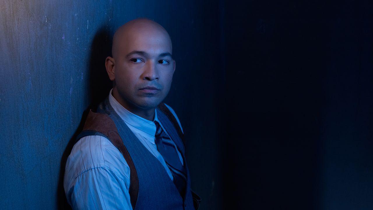 Chris Amador wird gespielt von Maximiliano Hernández - Bildquelle: 2013 Twentieth Century Fox Film Corporation and Bluebush Productions, LLC. All rights reserved.