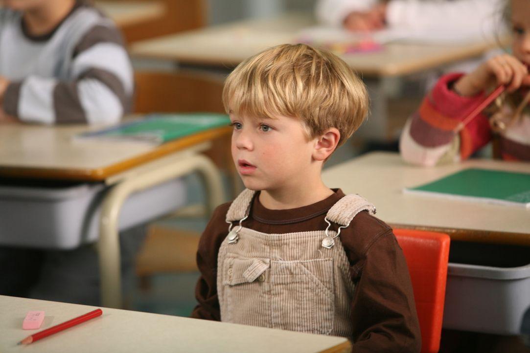 Ist immer für eine Überraschung gut: der quicklebendige Dennis (Maxwell Perry Cotton) ... - Bildquelle: Warner Bros.