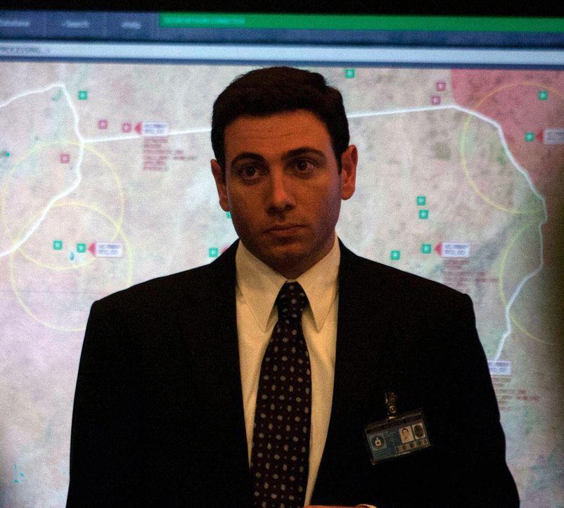 Arbeitet für die CIA und hofft, besondere Informationen von Brody zu bekommen: David Galvez (Hrach Titzian) ... - Bildquelle: 20th Century Fox International Television
