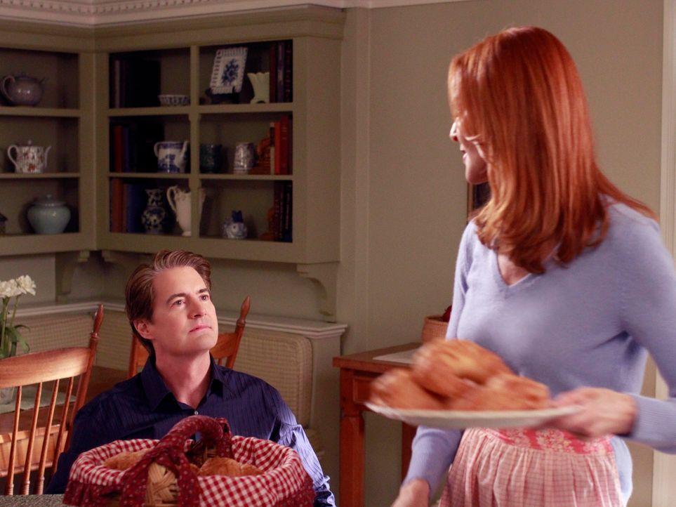 Susan findet heraus, wer der Vater von Julies ungeborenem Kind ist und Orson (Kyle MacLachlan, l.) gibt vor, Brees (Marcia Cross, r.) Leben wieder i... - Bildquelle: Touchstone Pictures