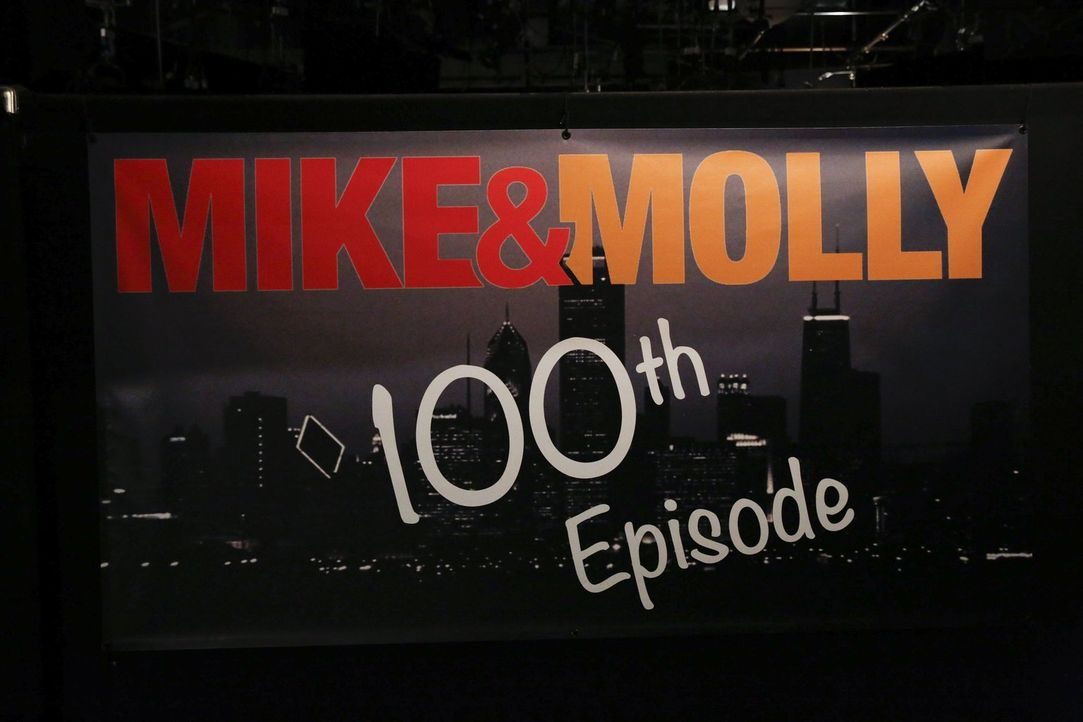 Die 100. Episode von Mike & Molly ... - Bildquelle: Warner Brothers