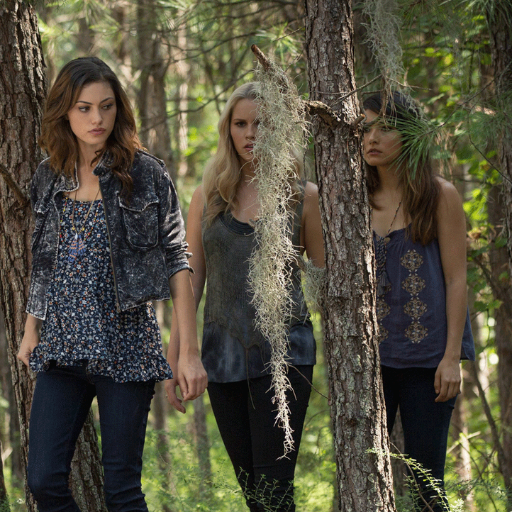 The Originals, Staffel 1: Rebekah, Hayley und Camille - Bildquelle: Warner Bros. Entertainment Inc.