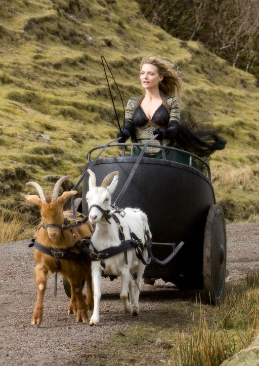 Es dauert nicht lange, bis die böse Hexe Lamia (Michelle Pfeiffer) von der Sternschnuppe erfährt. Sofort macht sie sich auf den Weg, denn sie erhoff... - Bildquelle: 2006 Paramount Pictures. All Rights Reserved.