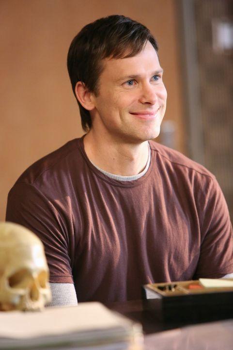 Hat er mit dem Verschwinden von Sarah etwas zu tun? Nick (Carter MacIntyre) ... - Bildquelle: ABC Studios
