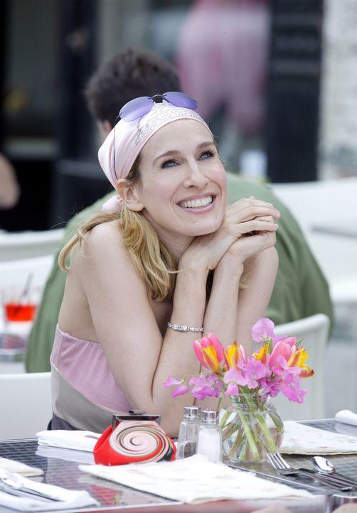 Unbemannte Frau in den Dreißigern, die ein richtiges Date mit einem Schriftsteller hat: Carrie Bradshaw (Sarah Jessica Parker) ... - Bildquelle: Paramount Pictures