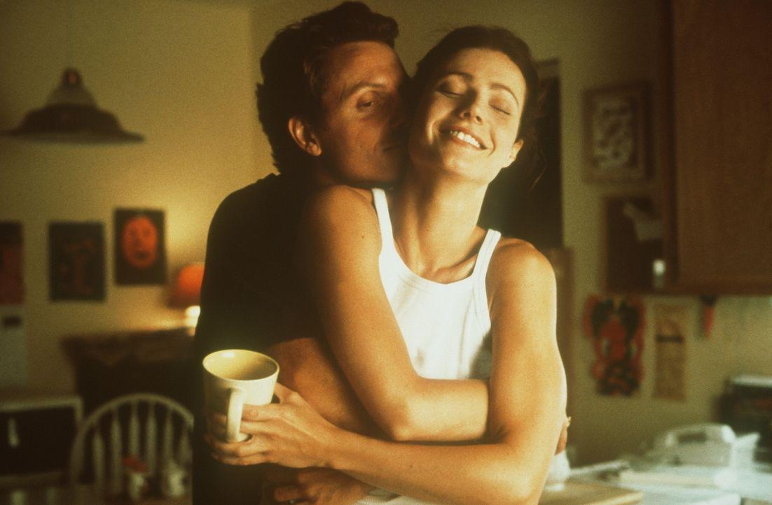 Noch sind sie ein glückliches Paar: Abby Janello (Gwyneth Paltrow, r.) und Ehemann Greg (Tony Goldwyn, l.) ... - Bildquelle: Miramax Films