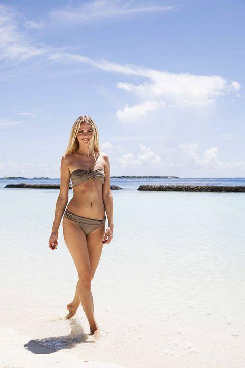 GNTM-Stf10-Epi13-Bikini-Shooting-Malediven-13-Darya-ProSieben-Boris-Breuer - Bildquelle: ProSieben/Boris Breuer