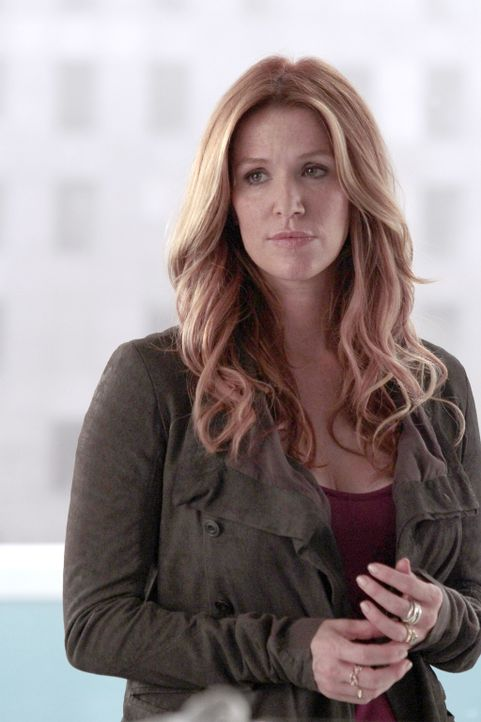 Nimmt ein Angebot an, mit der Abteilung für Schwerverbrechen beim NYPD zusammenzuarbeiten: Carrie (Poppy Montgomery) ... - Bildquelle: Giovanni Rufino 2013 Sony Pictures Television Inc. All Rights Reserved.