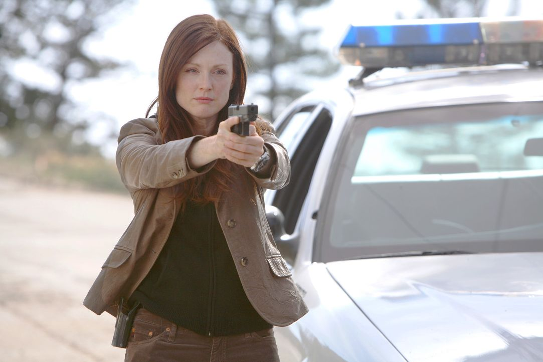 Die US-Regierung (Julianne Moore) benötigt Cris Johnson, um einen bevorstehenden terroristischen Anschlag in Los Angeles abzuwehren. Johnson besitz... - Bildquelle: t   2007 Paramount pictures. All Rights Reserved.