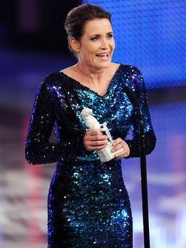Bayerischer-Fernsehpreis-2012-Anja-Kling-12-05-04-dpa - Bildquelle: dpa