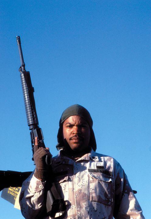 Während des Golfkrieges entdecken Chief (Ice Cube) und drei weitere US-Soldaten eine Landkarte, die sie zu Saddams geraubtem Goldschatz führen soll.... - Bildquelle: Warner Bros. Pictures