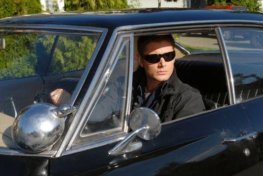 Supernatural - Dean (Jensen Ackles) und Sam reisen in das kleine Städtchen Ci...