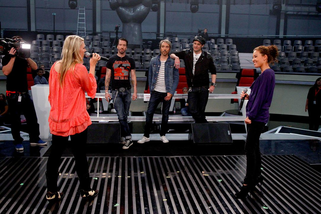 battle-alina-vs-christin08-the-voice-of-germany-huebnerjpg 1700 x 1133 - Bildquelle: SAT1/ProSieben/Richard Hübner