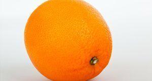 Von wegen langweiliges Obst. Orangen können als Utensil für Ihre Halloweenspi...