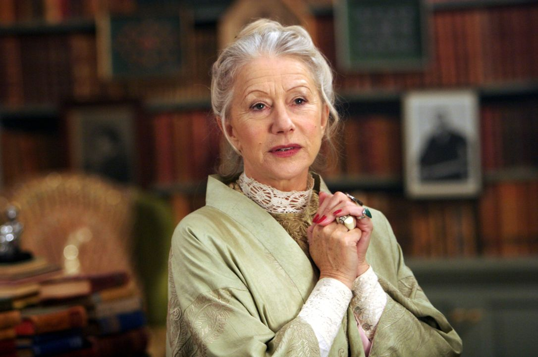 Die Büchersammlerin Elinor (Helen Mirren) ist es gewohnt allein zu sein, was sich in ihrem Umgang mit anderen Menschen bemerkbar macht. - Bildquelle: Warner Brothers