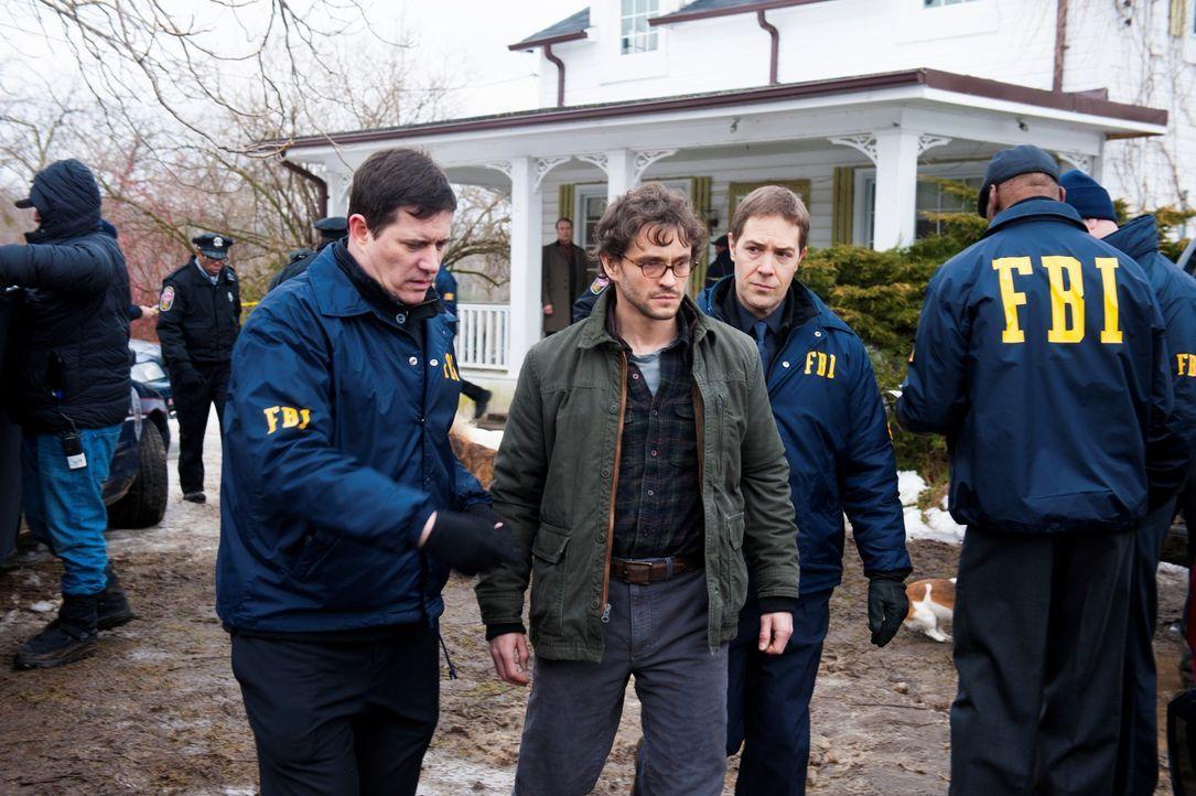 Bei seiner Rückkehr aus Minnesota kann sich Will (Hugh Dancy, M.) an nichts mehr erinnern, doch alles deutet darauf hin, dass er selbst der gesucht... - Bildquelle: Brooke Palmer 2013 NBCUniversal Media, LLC