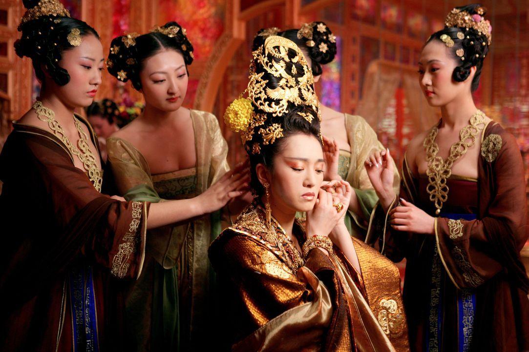 Kaiserin Phoenix (Li Gong, M.) plant gemeinsam mit ihren Söhnen ein Komplott gegen ihren Mann Kaiser Pling. Wer wird am Ende den blutigen Kampf gew... - Bildquelle: TOBIS Film