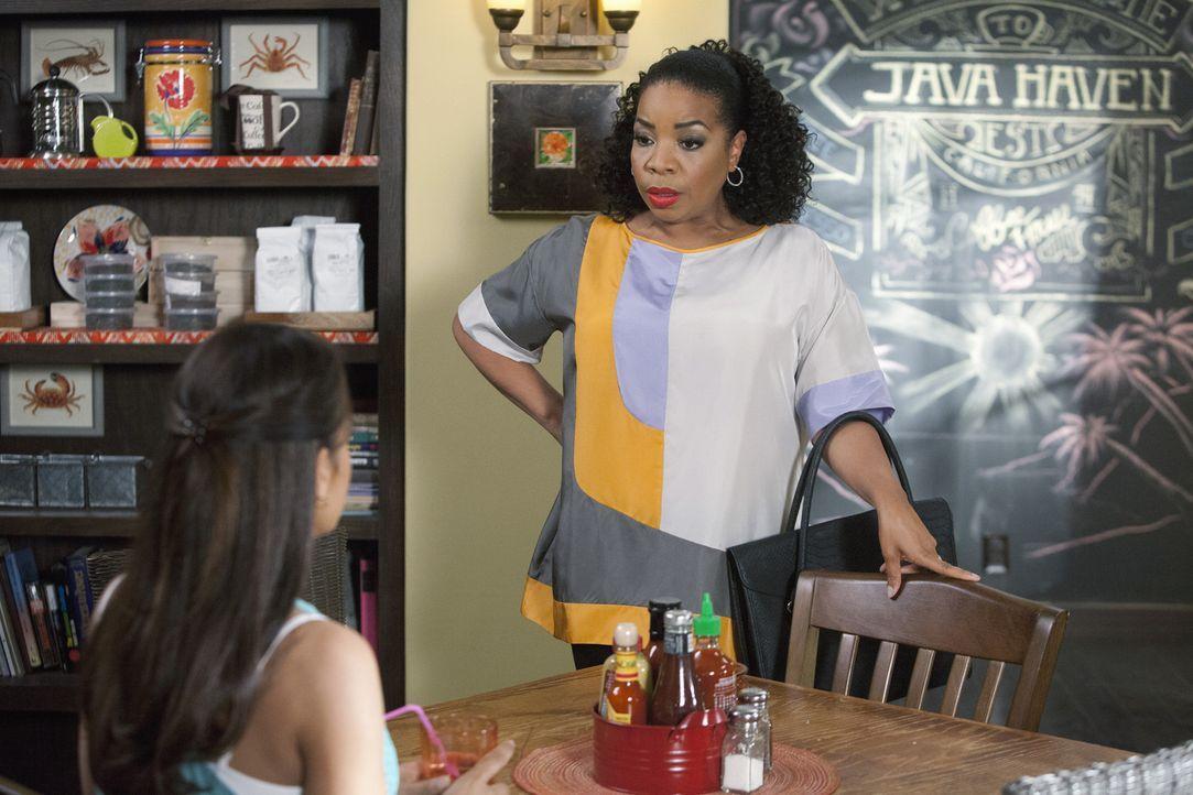 Noch ahnt Lucinda (Kimberly Hebert Gregory, r.) nicht, was Rosie (Dania Ramirez, l.) vor hat ... - Bildquelle: 2014 ABC Studios